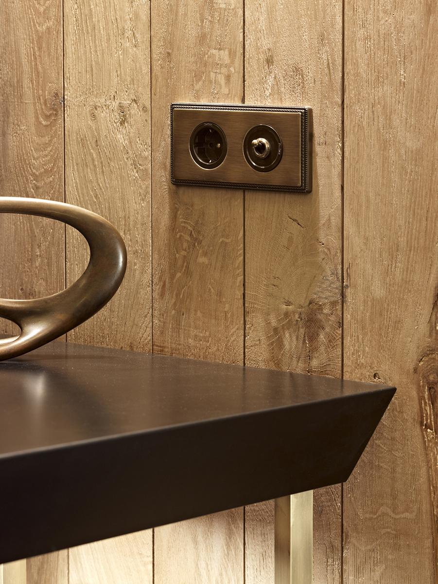 schaltersystem venezia aus porzellan und holz zur unterputzmontage von replicata formsch ne. Black Bedroom Furniture Sets. Home Design Ideas